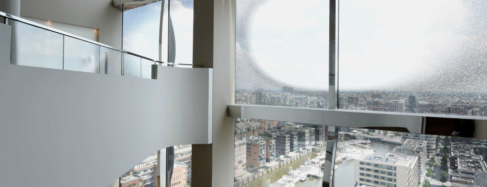 Westin Hamburg Hotel - Two floor suite with stunning view